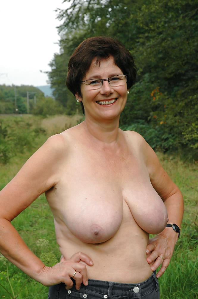 jennifer aniston young naked
