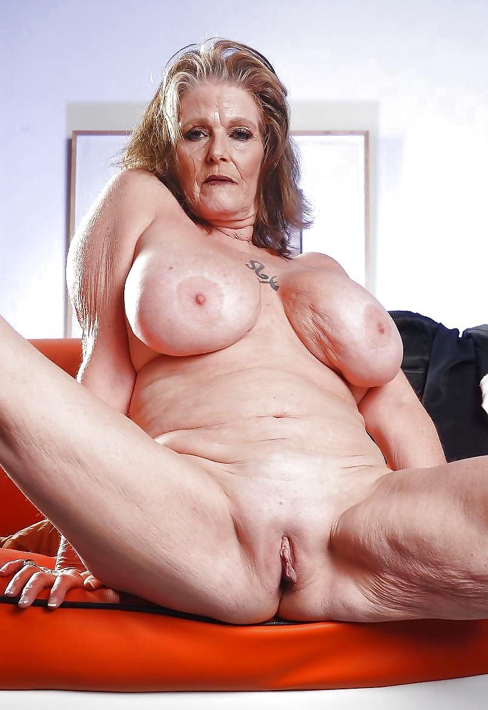 Elisha Cuthbert nue