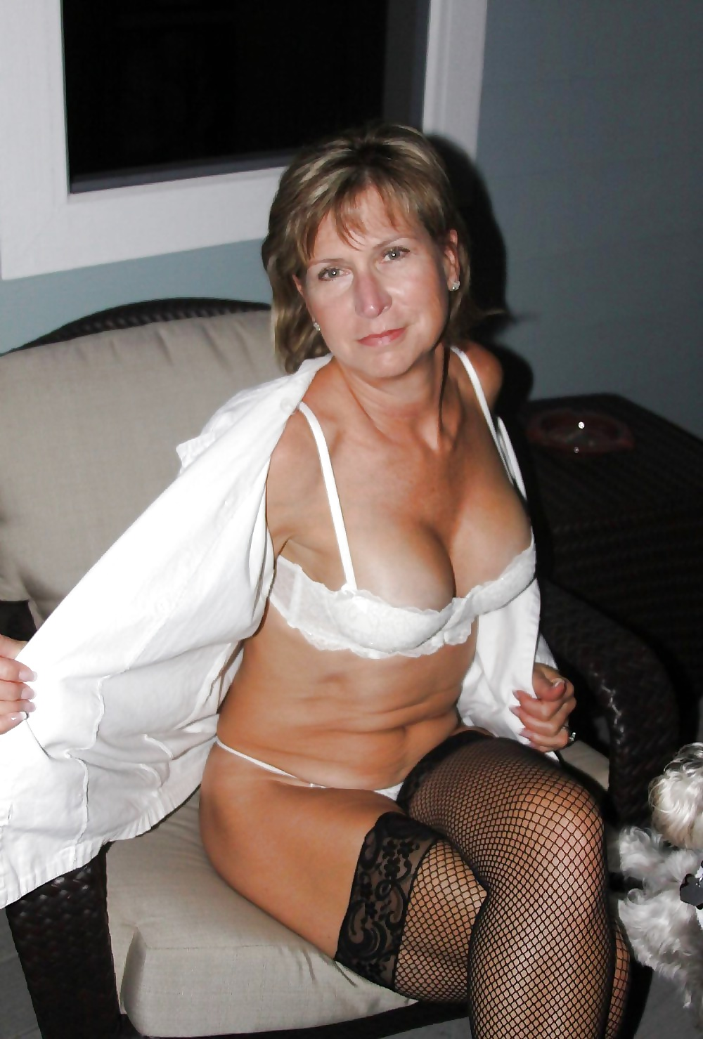 caracas single mature ladies Meet venezuelan senior singles at loveawake 100% free online dating site whatever your age we can help you meet mature men and women from venezuela no tricks and hidden charges browse venezuelan personals of men and women without payment.
